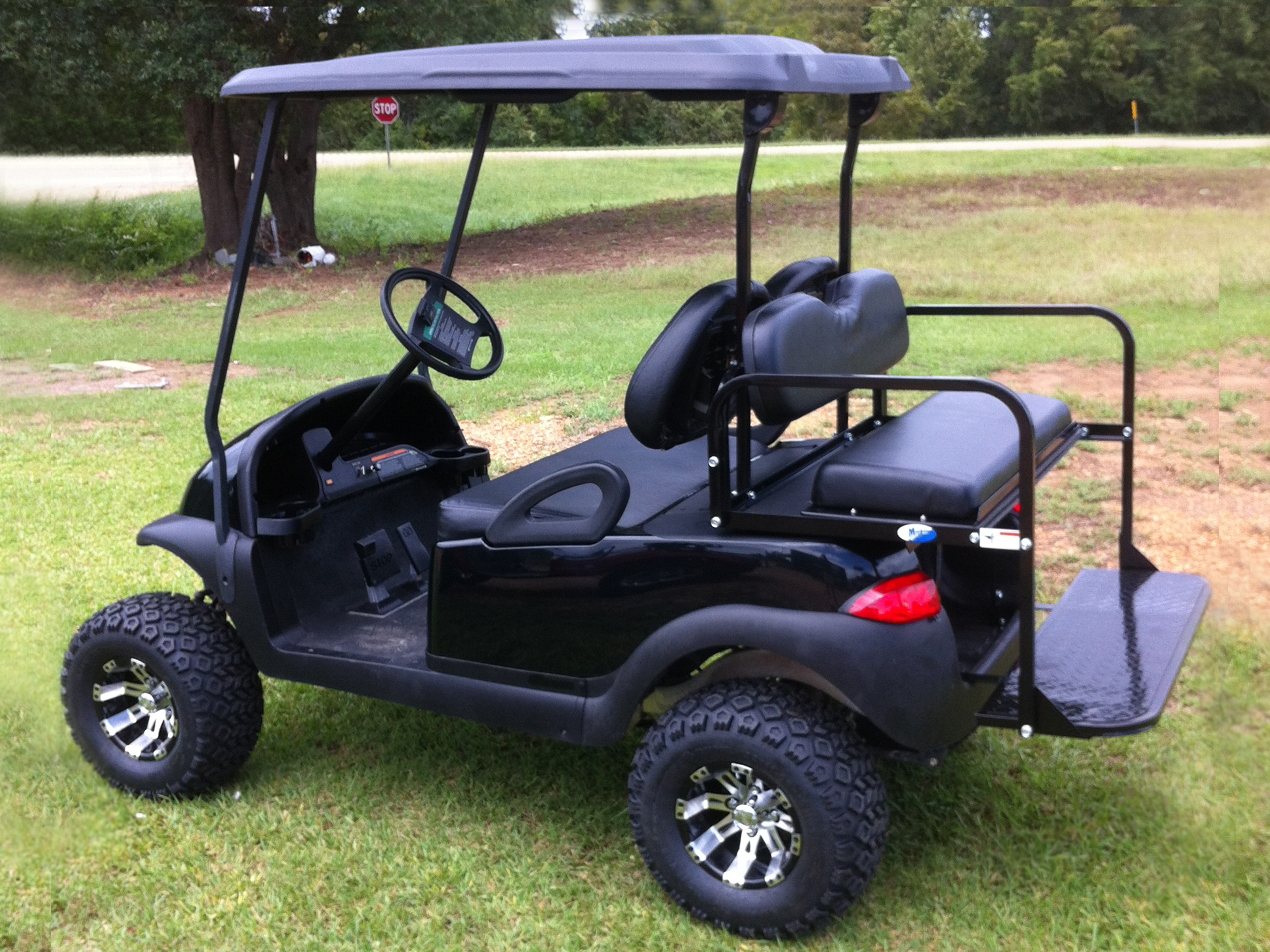 Finding the Right Golf Cart Accessories – How to Choose the Best